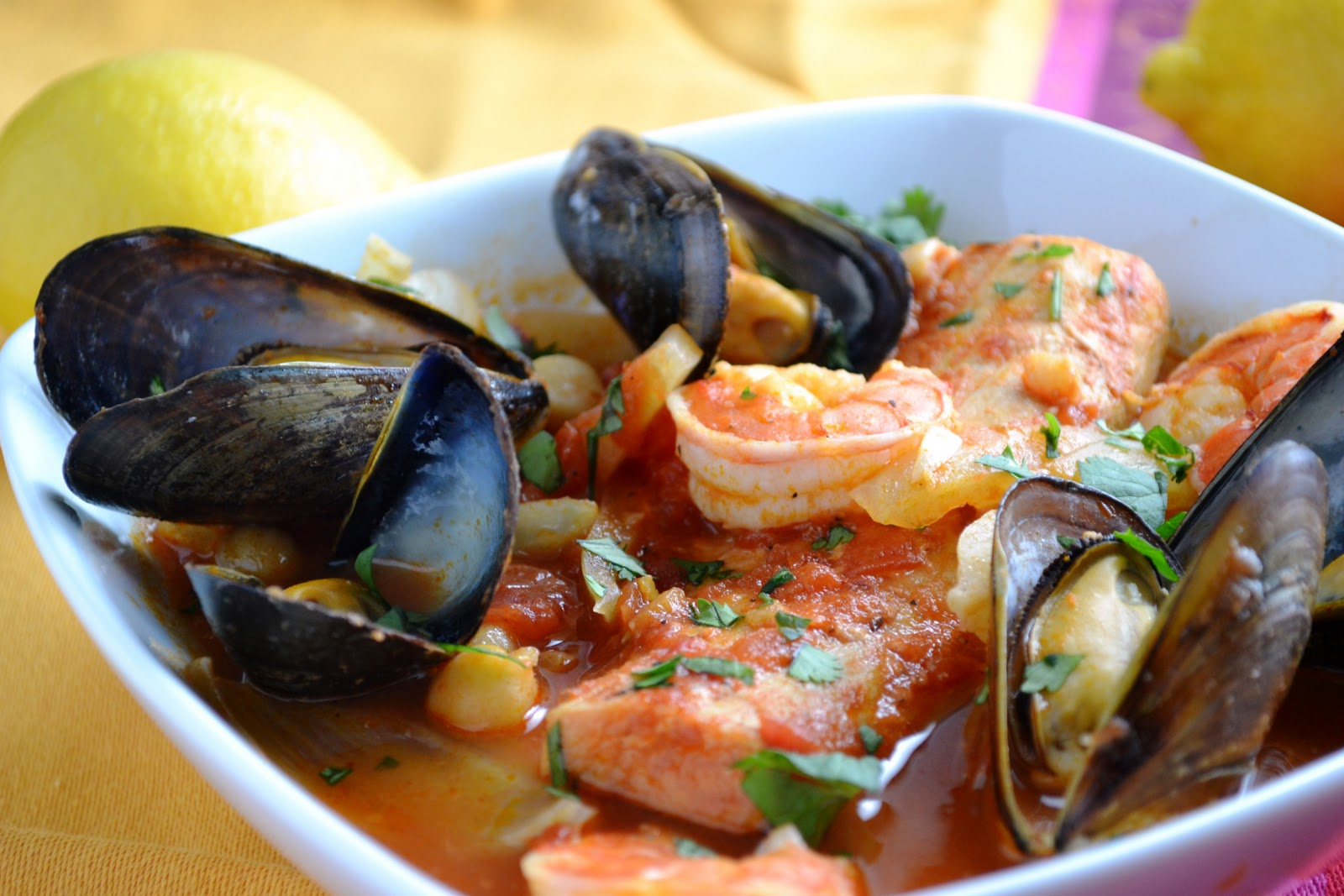 Cara 39 s cravings moroccan fish stew with fennel and chickpeas for Moroccan fish recipe