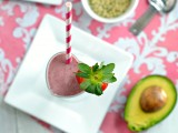 strawberry avocado smoothie 1