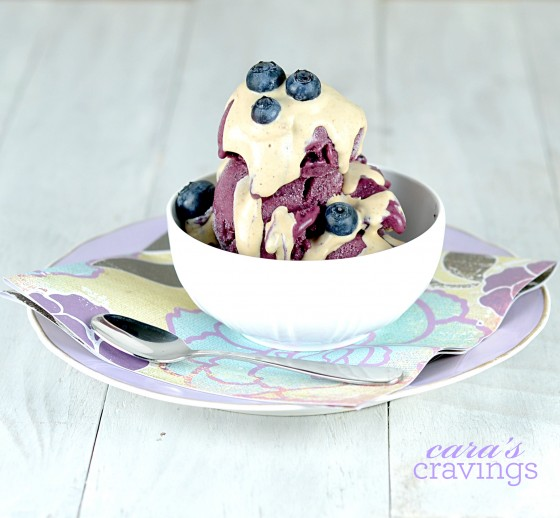 vegan ice cream, coconut milk ice cream, vegan blueberry ice cream, blueberry ice cream, roasted blueberries, sugar free ice cream, erythritol ice cream recipe